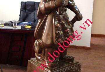 Tượng khảm Trần quốc tuấn bày tại công ty,phòng làm việc