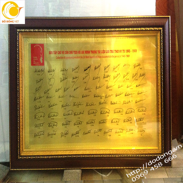 Tranh chữ ký bác hồ đồng vàng khắc 79 chữ ký của Bác hồ0