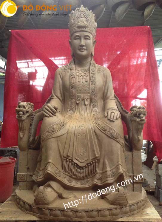 Tạo mẫu tượng thánh mẫu chúa me cao 137cm trong đền thờ tại Hải dương