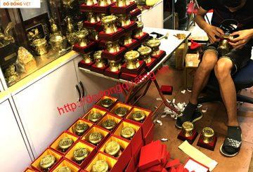 Địa chỉ xưởng chuyên làm quà tặng bằng đồng cao cấp
