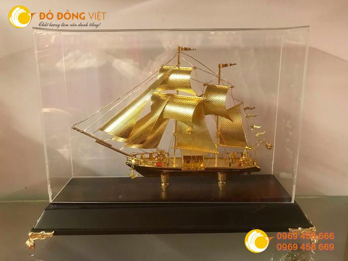 Thuyền buồm bằng đồng0