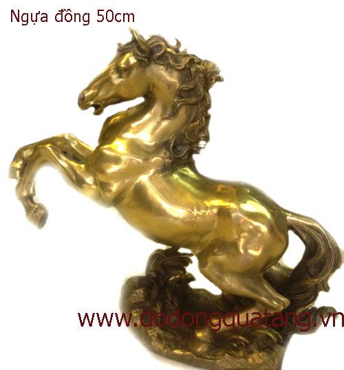 Tượng ngựa đồng mạ vàng2