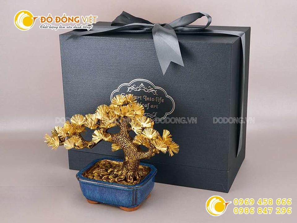 Biểu trưng cây tùng bằng vàng 24k0