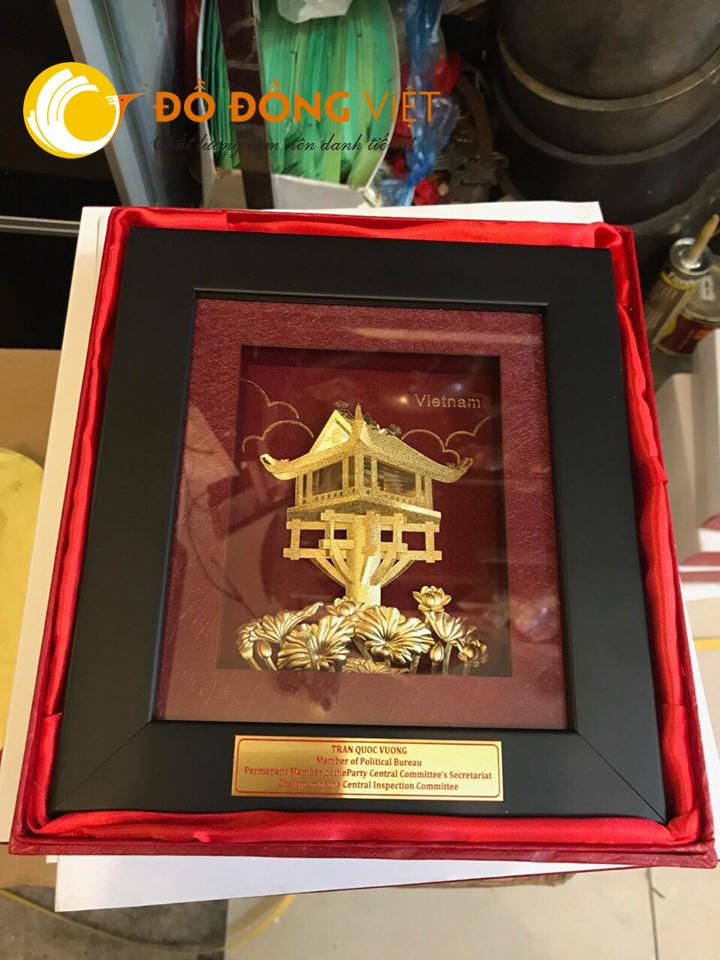 Qùa tặng tranh chùa một cột dát vàng 24k khung 27×34 cm0