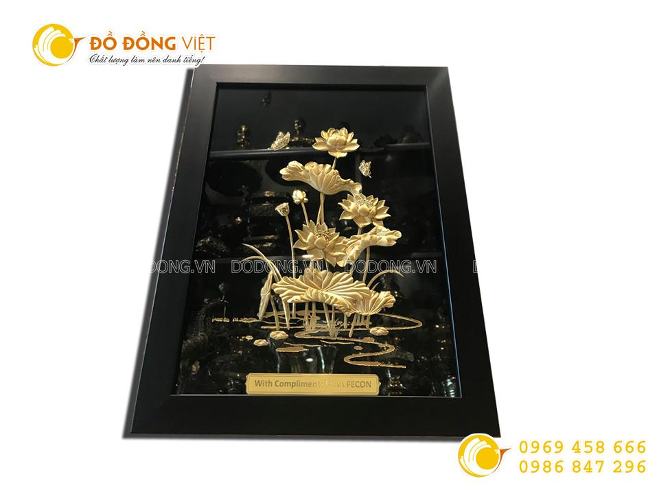 Tranh hồ sen vàng 27 x 34 cm0