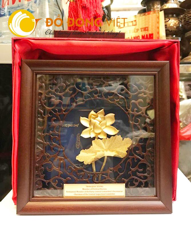 Tranh hoa sen dát vàng để bàn 20 cm tại Hà nội0