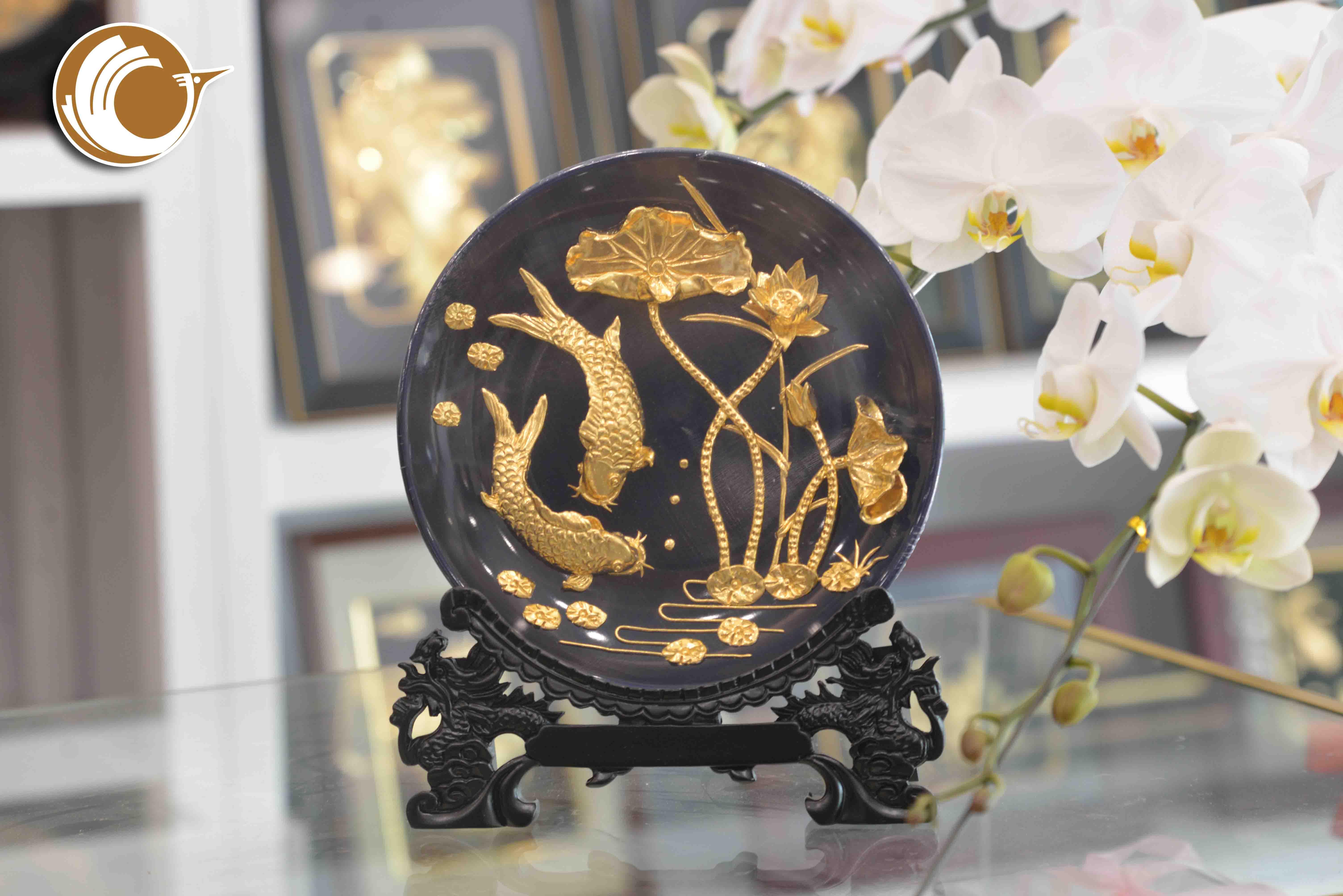 Đĩa tranh cá chép hoa sen mạ vàng 24k- quà tặng 20-100