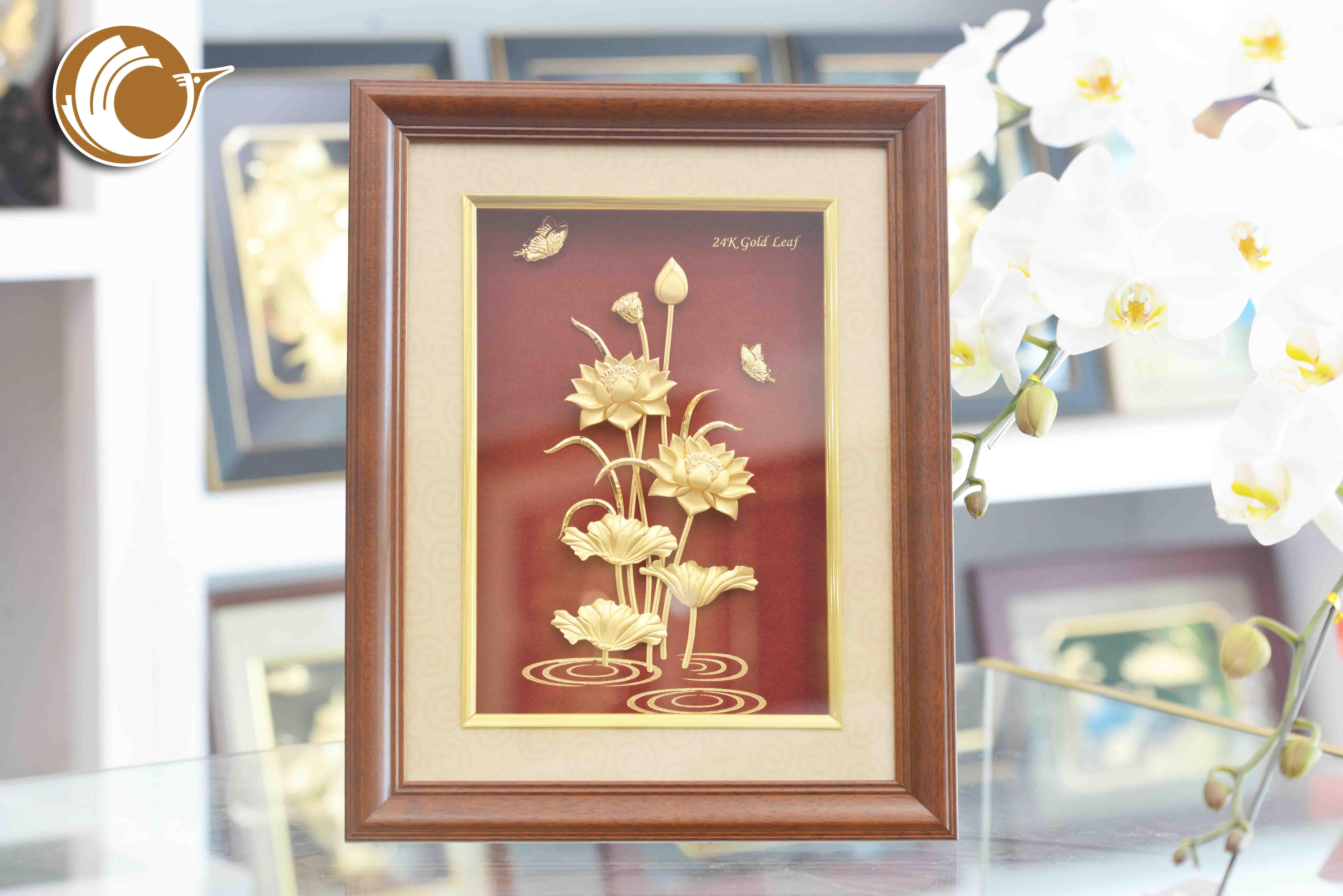 Giá bán tranh hoa sen dát vàng, quà tặng 20-10 ý nghĩa0