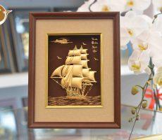 Quà tặng tranh vàng thuyền buồm xuôi gió