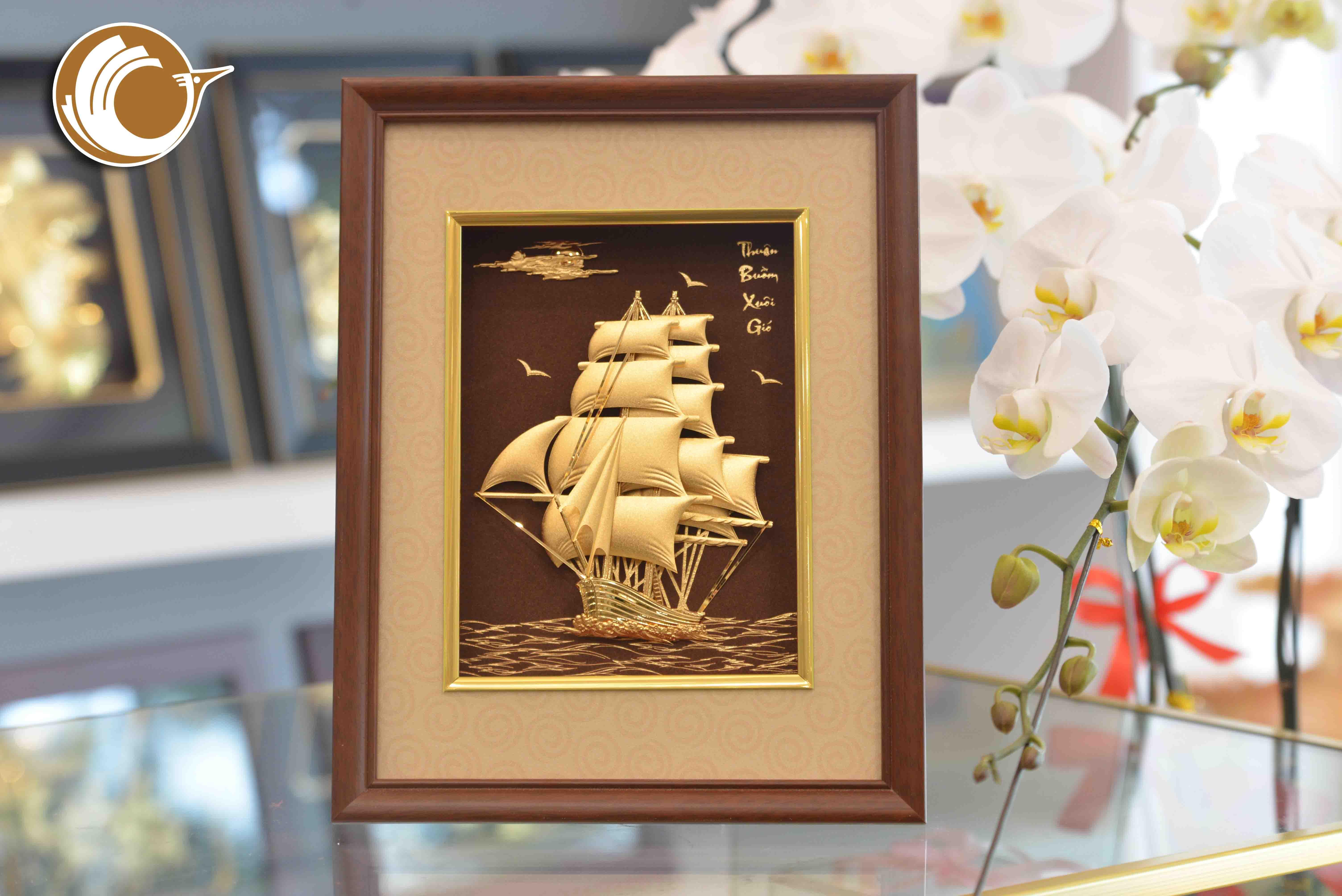 Quà tặng tranh vàng thuyền buồm xuôi gió0