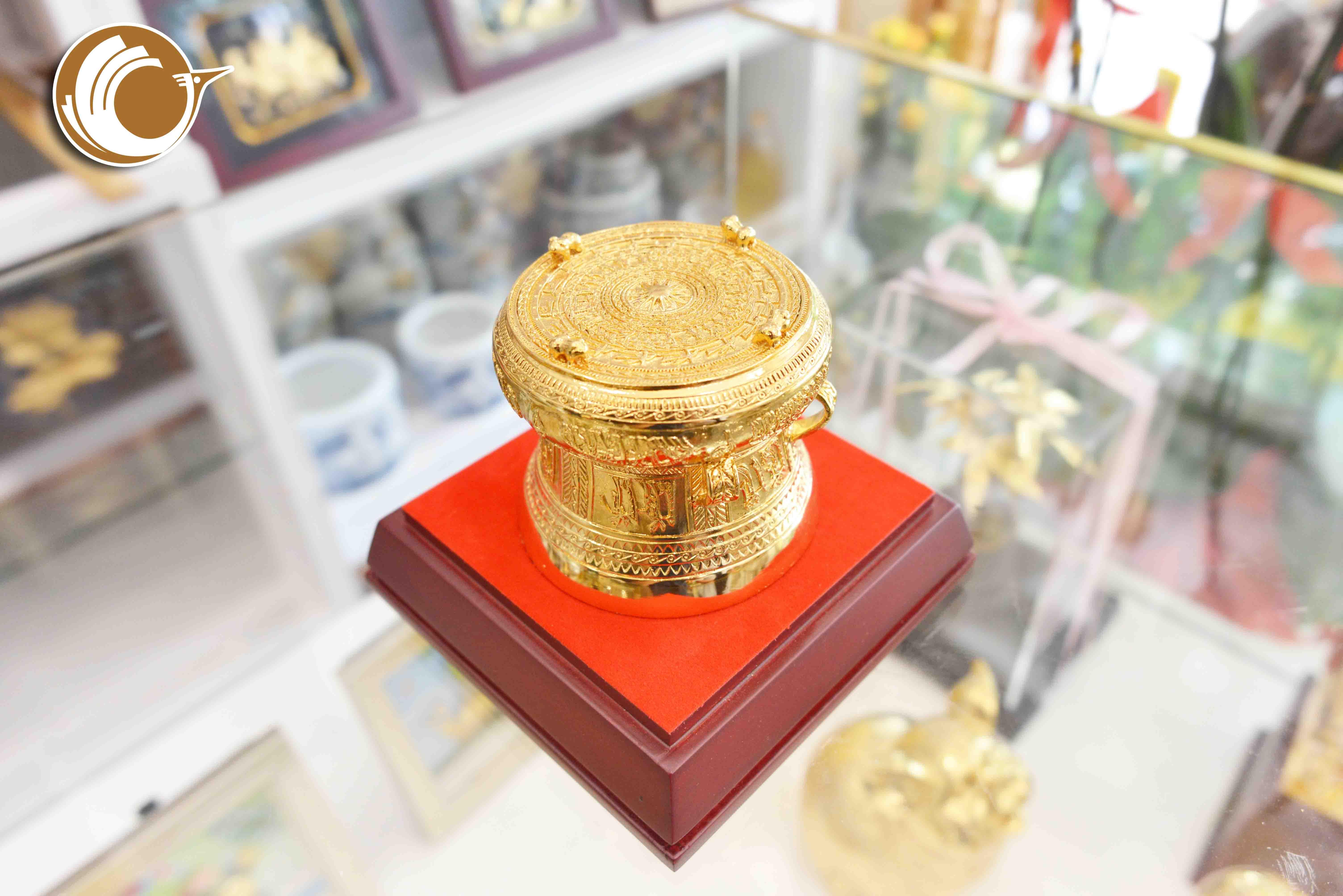 Trống đồng mạ vàng 24k đường kính 8cm, trống đồng lưu niệm thu nhỏ0