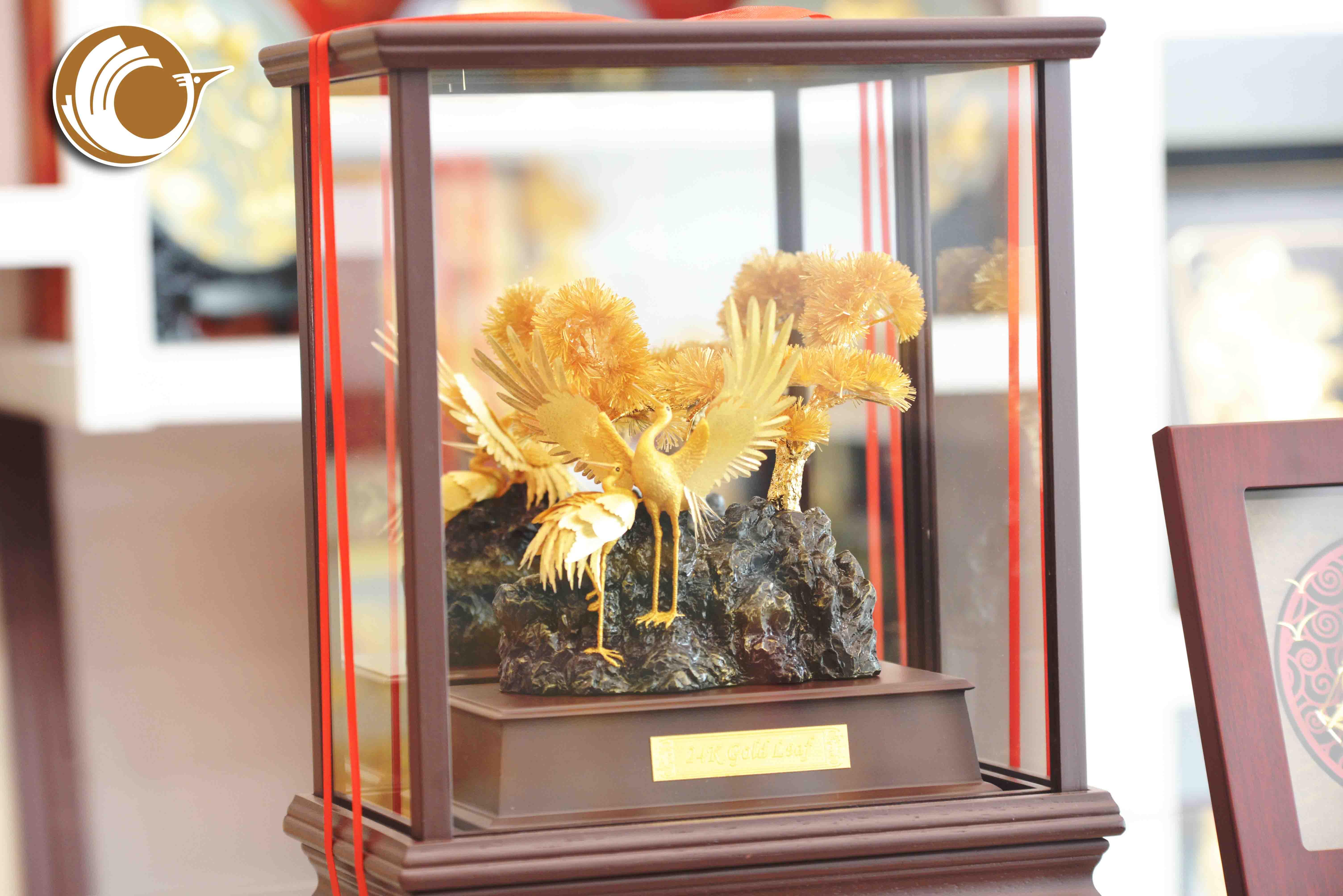 Biểu trưng chim hạc bằng đồng mạ vàng, đồ đồng quà tặng mạ vàng0