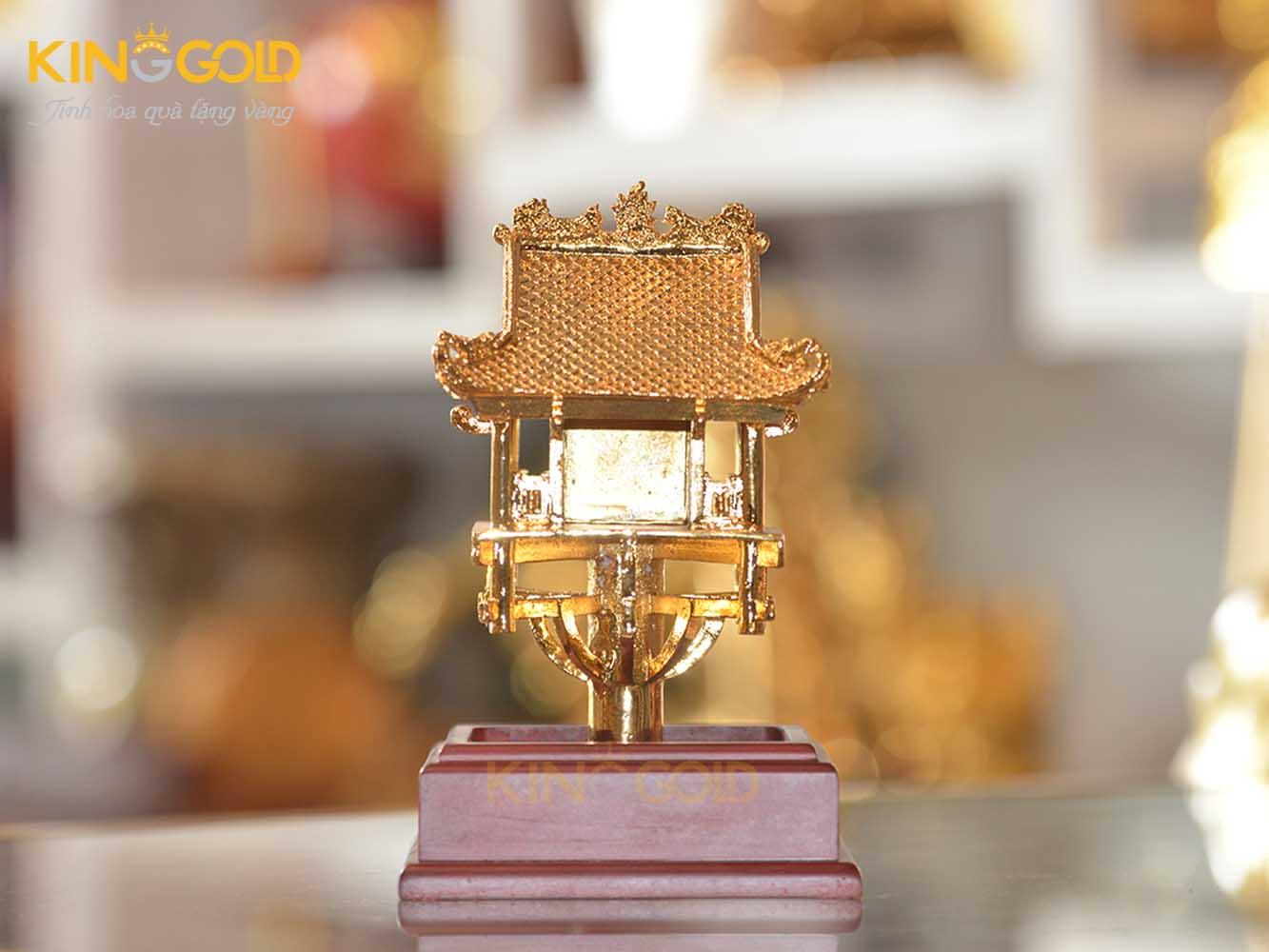 Giá bán quà tặng chùa Một Cột mạ vàng 24 đẹp tinh xảo0