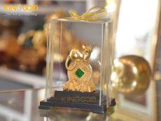 Quà tặng tượng chuột phong thủy nằm trên đồng tiền vàng