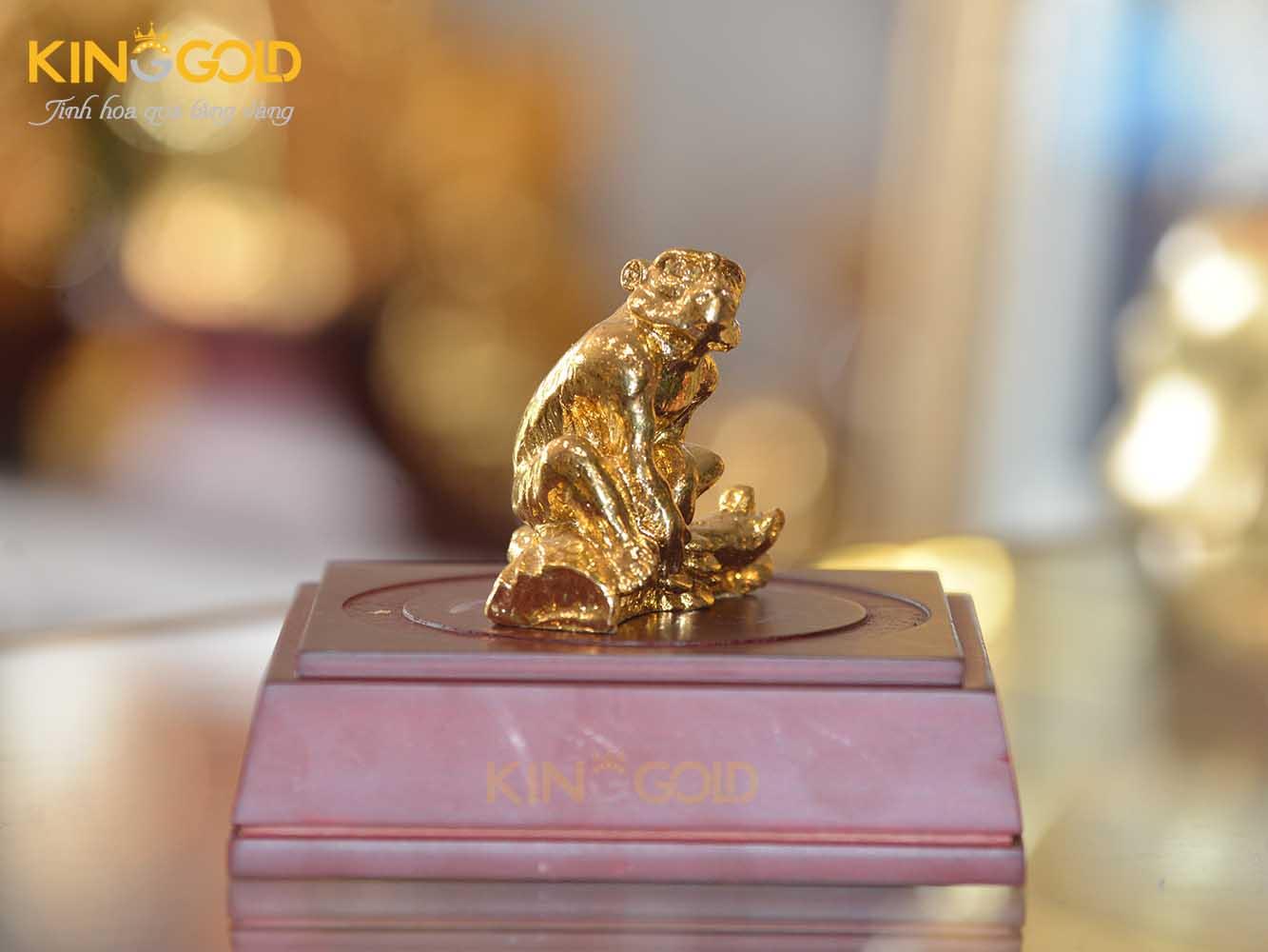 Địa chỉ mua tượng khỉ phong thủy bằng đồng mạ vàng 24k0