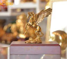 Tượng ngựa có cánh bằng đồng mạ vàng 24k cao cấp