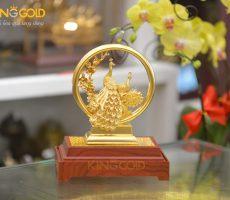 Quà tặng biểu trưng chim công bằng đồng mạ vàng 24k