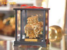 Tượng Voi Mạ Vàng Trong Hộp Kính Sang Trọng Đẹp Tinh Xảo