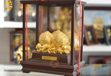 Biểu trưng quả đào mạ vàng làm quà mừng thọ mẹ cha