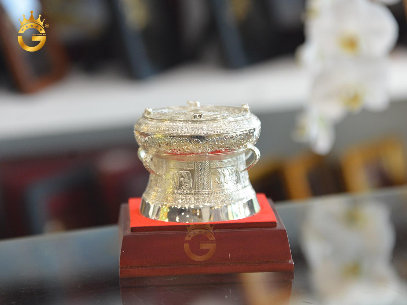 Trống đồng mạ bạc- quà tặng đối tác nước ngoài ý nghĩa0