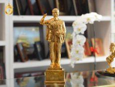 Tượng đồng Bác Hồ cỡ nhỏ mạ vàng 24k để bàn làm việc