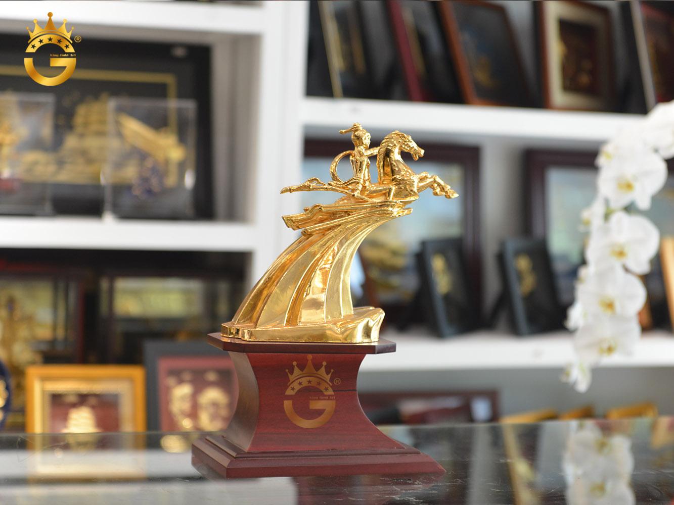 Đúc tượng đồng, đúc tượng Thánh Gióng mạ vàng 24k0