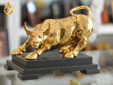 Quà tặng tượng trâu mạ vàng 24k đẹp tinh xảo từng chi tiết