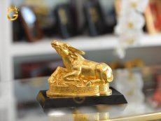 Tượng trâu đồng mạ vàng 24k- quà tặng phong thủy năm Tân Sửu