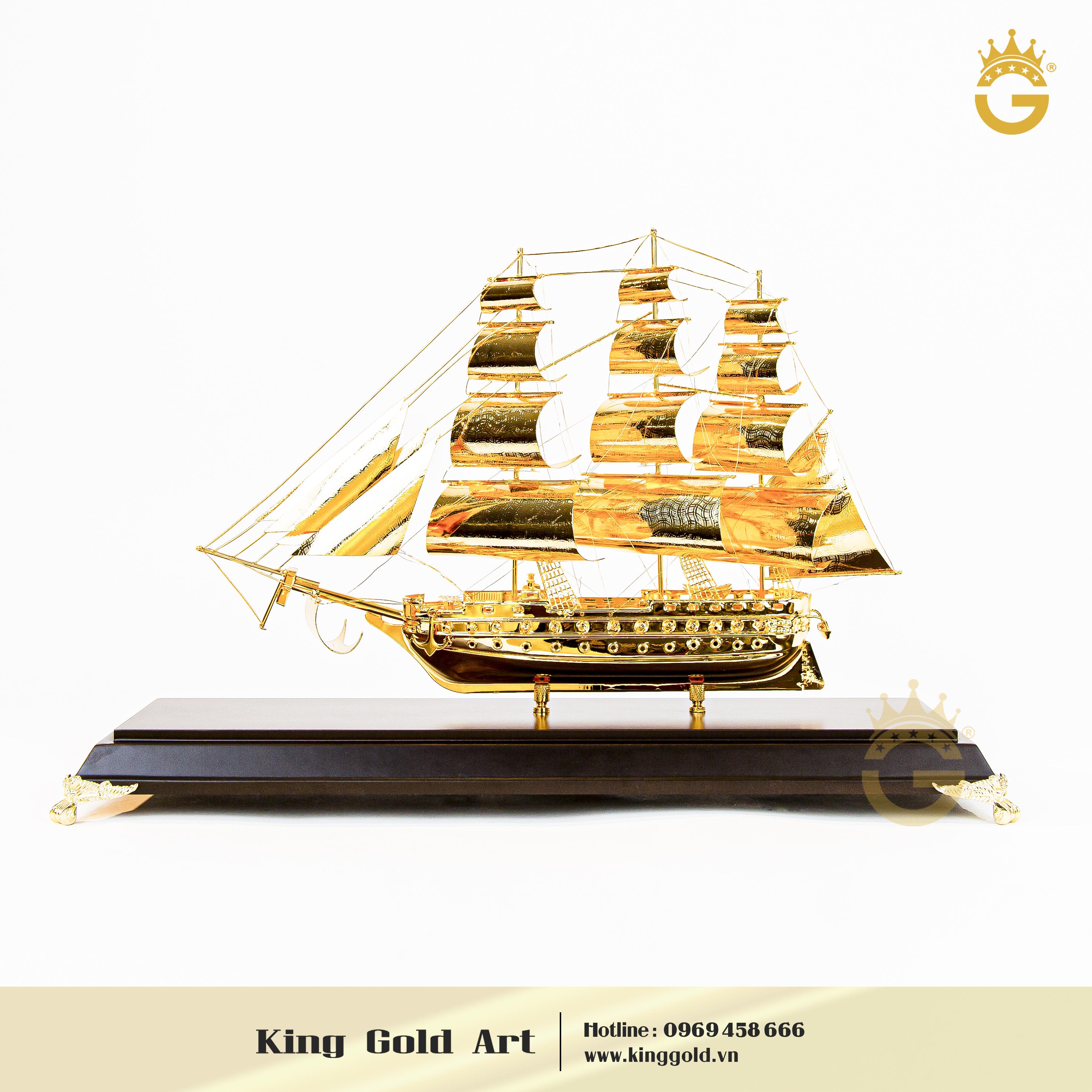 Thuyền buồm mạ vàng đẹp tinh xảo làm quà tặng sếp thăng chức0