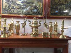 Bộ đỉnh đồng thờ cúng đầy đủ bằng đồng vàng mộc chạm sòi trơn