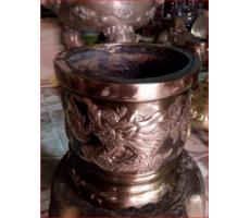 Bát hương thờ cúng bằng đồng đỏ đúc nổi song long chầu nguyệt