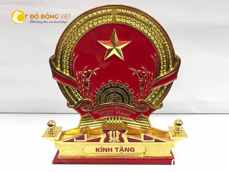 Đồ đồng Việt chuyên đúc logo huy hiệu, quốc hiệu biểu trưng0