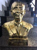 Địa chỉ đúc tượng chân dung mạ vàng uy tín tại Hà Nội