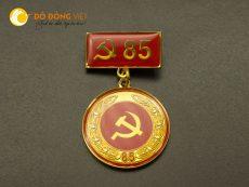Công ty Đồ đồng Việt sản xuất huy hiệu Đảng 40, 50, 60, 70, 80, 85 tuổi Đảng