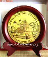 Mặt đĩa đồng chi tiết Chùa Một Cột bằng đồng ăn mòn