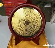 Mặt đĩa trống đồng Đông Sơn làm quà tặng đối tác nước ngoài