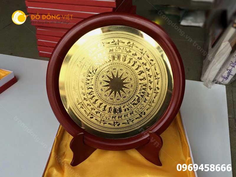 Mặt đĩa trống đồng Đông Sơn làm quà tặng đối tác nước ngoài0